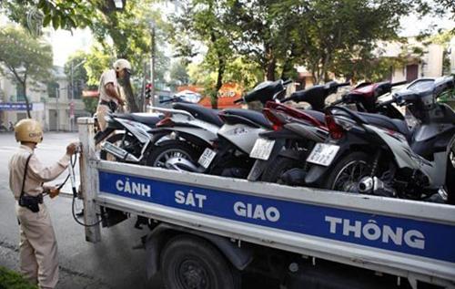 Sóc Sơn - Hà Nội: Thanh tra giao thông bị tố bắt xe không đúng quy trình