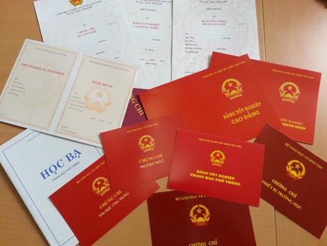 Nghệ An: Phát hiện 'lò' làm giả giấy phép lái xe, bằng tốt nghiệp