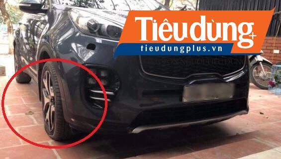 Hà Nội: Hàng loạt xe ô tô dính