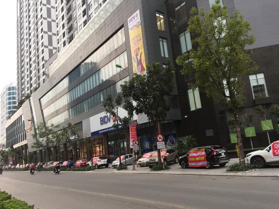 Hà Nội: Cư dân đỗ ô tô