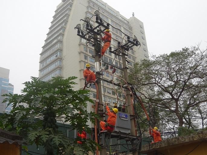Đầu tư 11 dự án hạ ngầm, chỉnh trang hệ thống chiếu sáng công cộng đồng bộ trên 95 tuyến phố