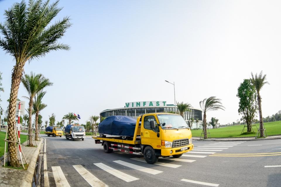 VinFast đưa 155 xe ô tô ra nước ngoài thử nghiệm độ an toàn