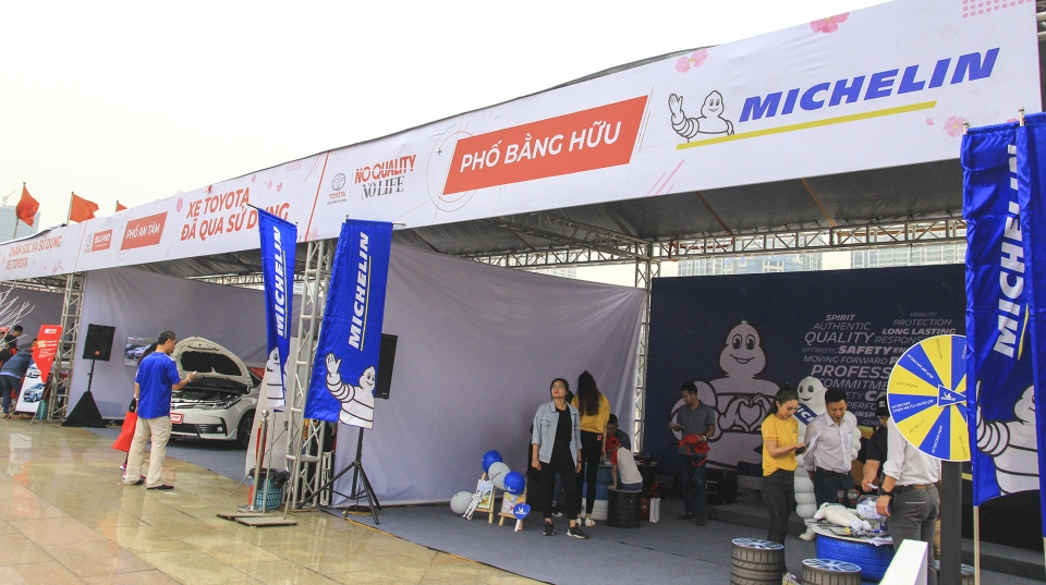 Gian hàng trải nghiệm lốp Michelin tại sự kiện.