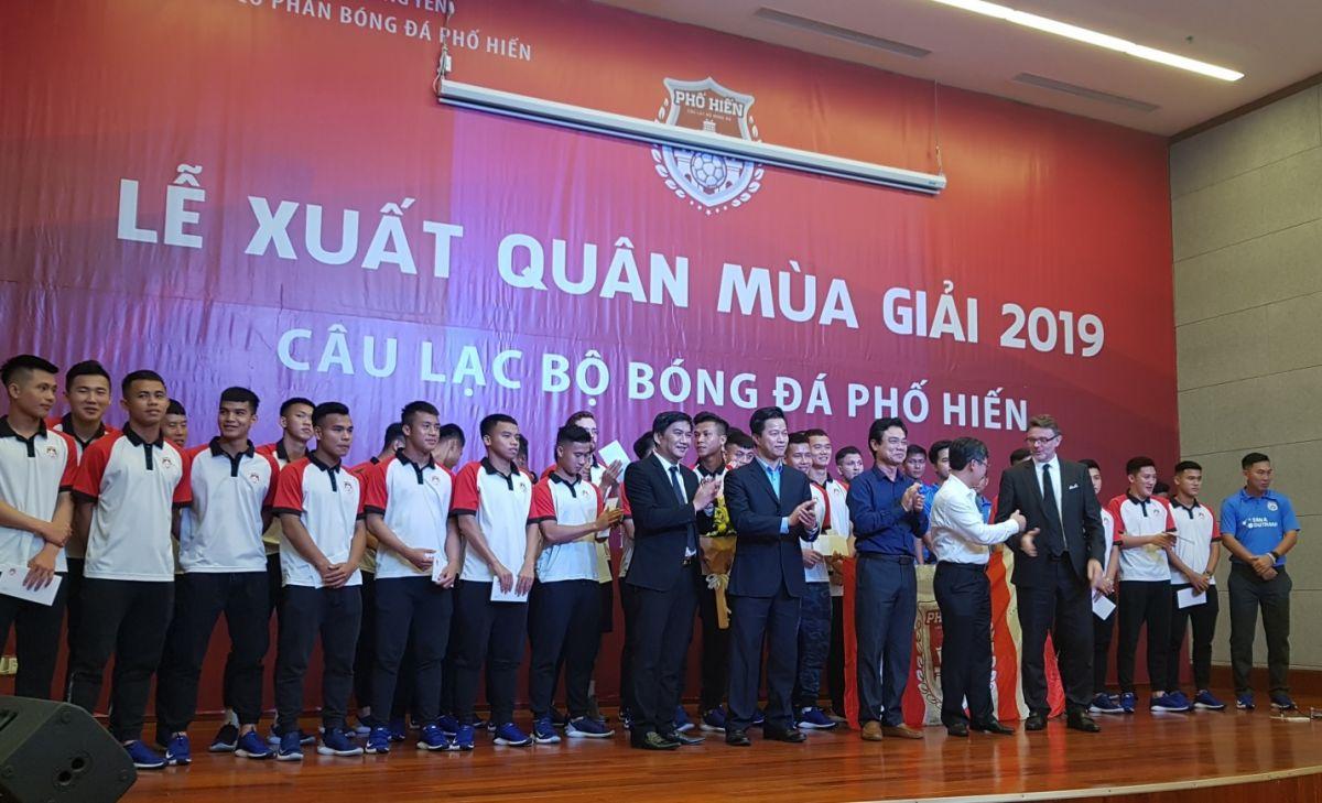 Câu lạc bộ bóng đá Phố Hiến (Tân Á Đại Thành) đặt mục tiêu Top 5 giải hạng Nhất 2019