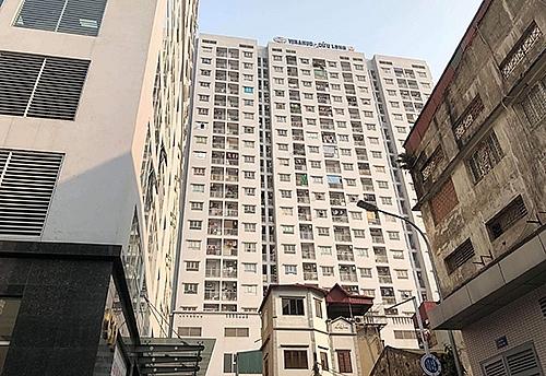 Hà Nội: Bé trai ở nhà một mình rơi từ tầng 11 chung cư xuống đất