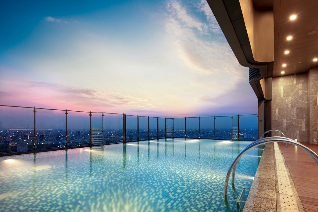 Khách sạn Vinpearl Luxury Landmark 81 được kỳ vọng tạo dấu ấn trong ngành du lịch nghỉ dưỡng cao cấp Việt Nam với hàng loạt trải nghiệm đỉnh cao: Bể bơi trên không...