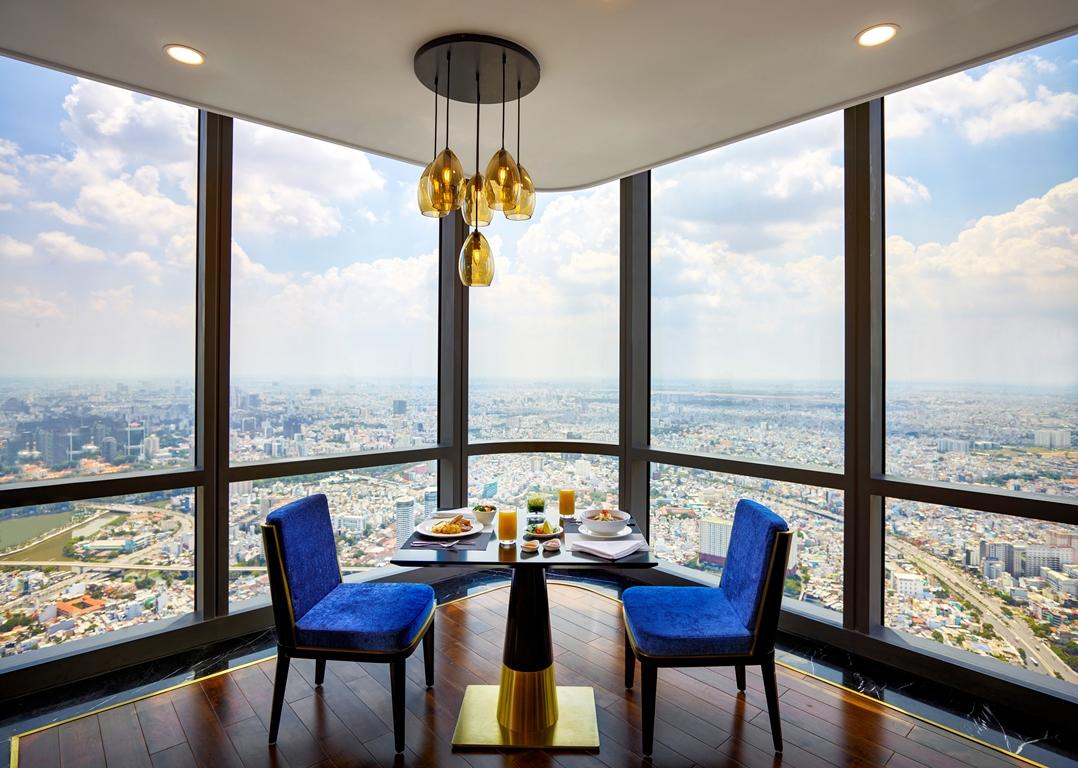 ..Bữa sáng sành điệu tại Pearl Club tại tầng 71