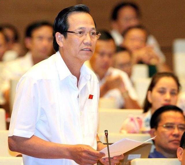 Bộ trưởng Bộ LĐ-TB&XH Đào Ngọc Dung (Đoàn ĐBQH Thanh Hóa) : Luật Lao động sẽ đồng bộ với các luật khác chứ không phải nói tăng tuổi hưu là tăng cứng nhắc
