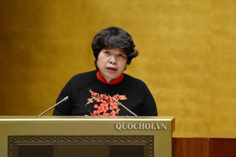 Chủ nhiệm UBCVĐXH của Quốc hội Nguyễn Thúy Anh trình bày Báo cáo thẩm tra dự án Bộ luật lao động (sửa đổi)