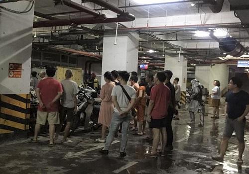Hà Nội: Cháy tầng hầm chung cư cao cấp Hapulico hàng trăm cư dân hoảng loạn trong đêm