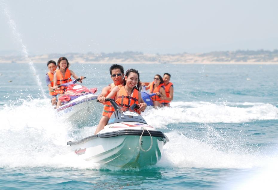 Siết chặt quản lý phương tiện vui chơi dưới nước, bảo đảm an toàn cho du khách