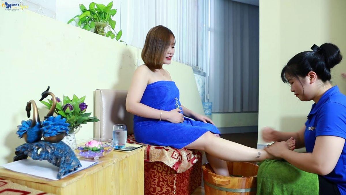 Chị Thùy Linh trong một lần đến chăm sóc tại Mommy Care Spa