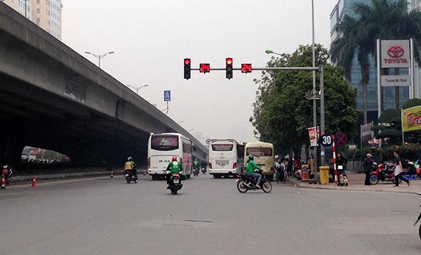 Hà Nội: Cận Tết Nguyên đán, nhức nhối tình trạng xe khách đón trả sai quy định - Ảnh 4