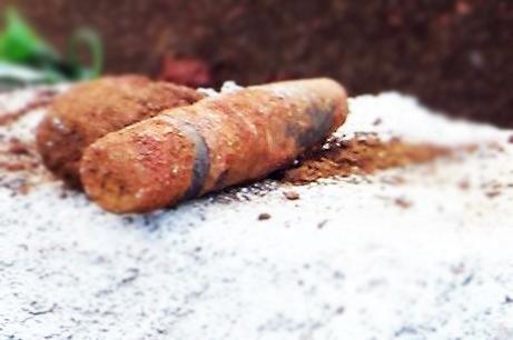 Lâm Đồng: Đào móng thi công phòng học phát hiện nhiều quả đạn - Ảnh 2