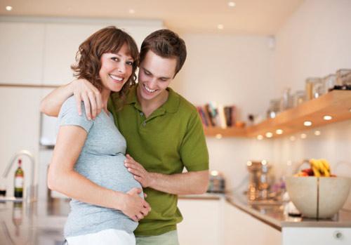 Từ năm 2016: Vợ sinh con, chồng được nghỉ thai sản từ 5- 14 ngày
