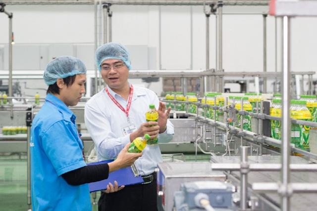 Cận cảnh dây chuyền sản xuất nước ngọt của Tân Hiệp Phát vừa công bố