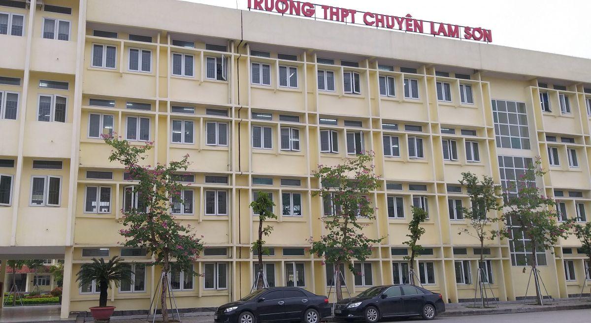 """Sau vụ """"xẻ thịt"""" nhà đa năng, đề nghị làm rõ 9 nội dung liên quan tới Hiệu trưởng trường chuyên Lam Sơn"""