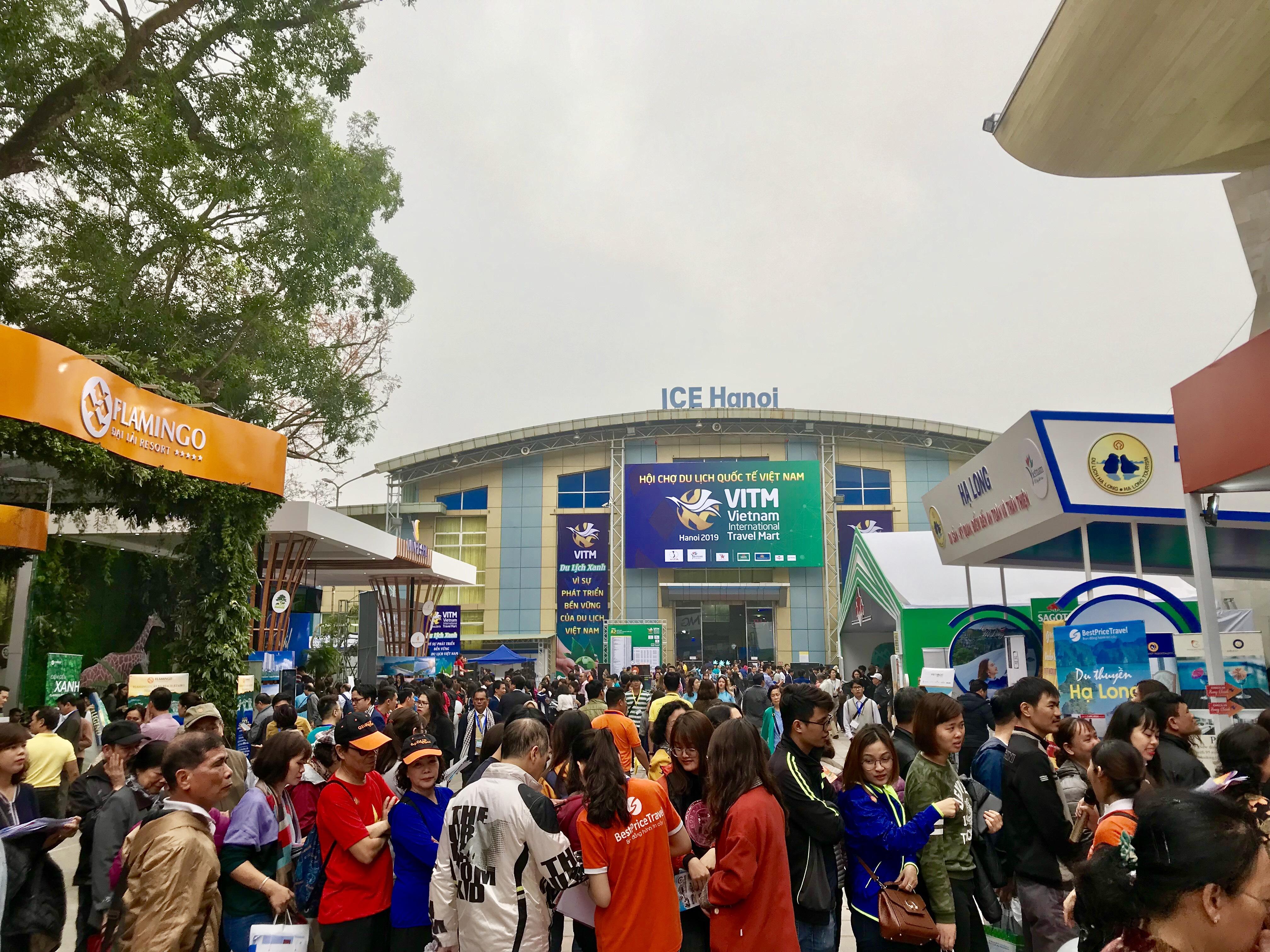 Các doanh nghiệp tung hàng nghìn chương trình khuyến mãi tại hội chợ du lịch quốc tế