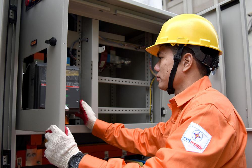 Hà Nội đảm bảo cung cấp điện an toàn, ổn định dịp lễ 30/4 và 1/5