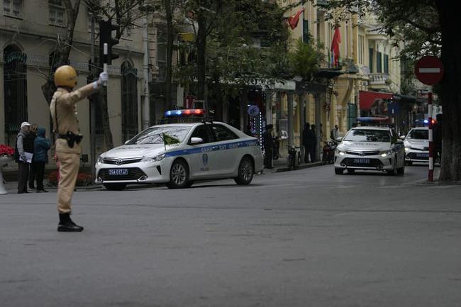 Hà Nội: Đường phố khác lạ trong ngày ra quân trước Hội nghị Thượng đỉnh Mỹ - Triều Tiên - Ảnh 21.