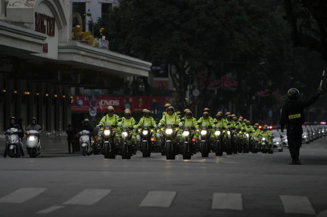Hà Nội: Đường phố khác lạ trong ngày ra quân trước Hội nghị Thượng đỉnh Mỹ - Triều Tiên - Ảnh 9.