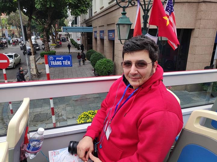 Ông Arash Sigarchi, phóng viên tới từ Mỹ .