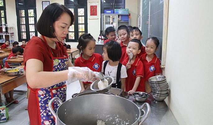 Sở Giáo dục và Đào tạo Hà Nội yêu cầu các trường không tẩy chay sản phẩm thịt lợn an toàn