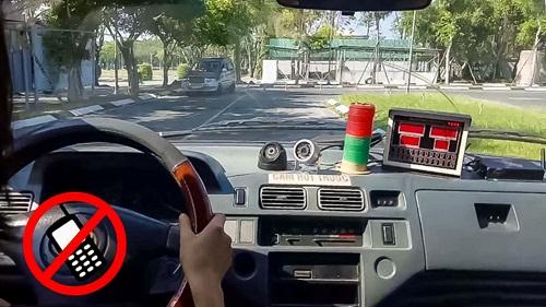 Phó Thủ tướng Trương Hòa Bình yêu cầu bộ GTVT siết chặt công tác đào tạo lái xe