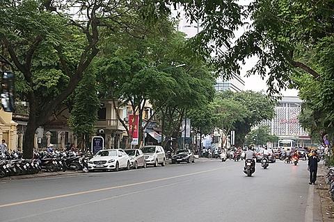 Rào chắn phố Trần Hưng Đạo để phục vụ thi công nhà ga ngầm đường sắt Nhổn - ga Hà Nội