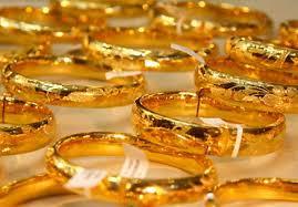 Giá vàng hôm nay 26/3: Các nhà đầu tư ồ ạt mua vào, vàng tăng vọt
