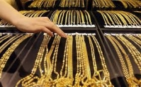 Giá vàng hôm nay 28/3: Đồng USD giảm nhẹ, vàng có xu hướng tăng