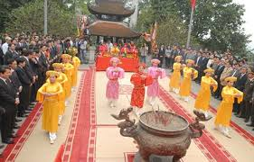 Lãnh đạo Đảng, nhà nước dâng hương tại lễ hội Đền Hùng 2019