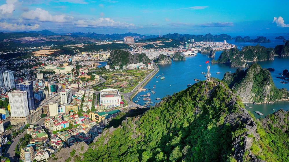 """Kỳ vọng """"50 triệu lượt khách"""": Bài toán thách thức của du lịch Quảng Ninh"""