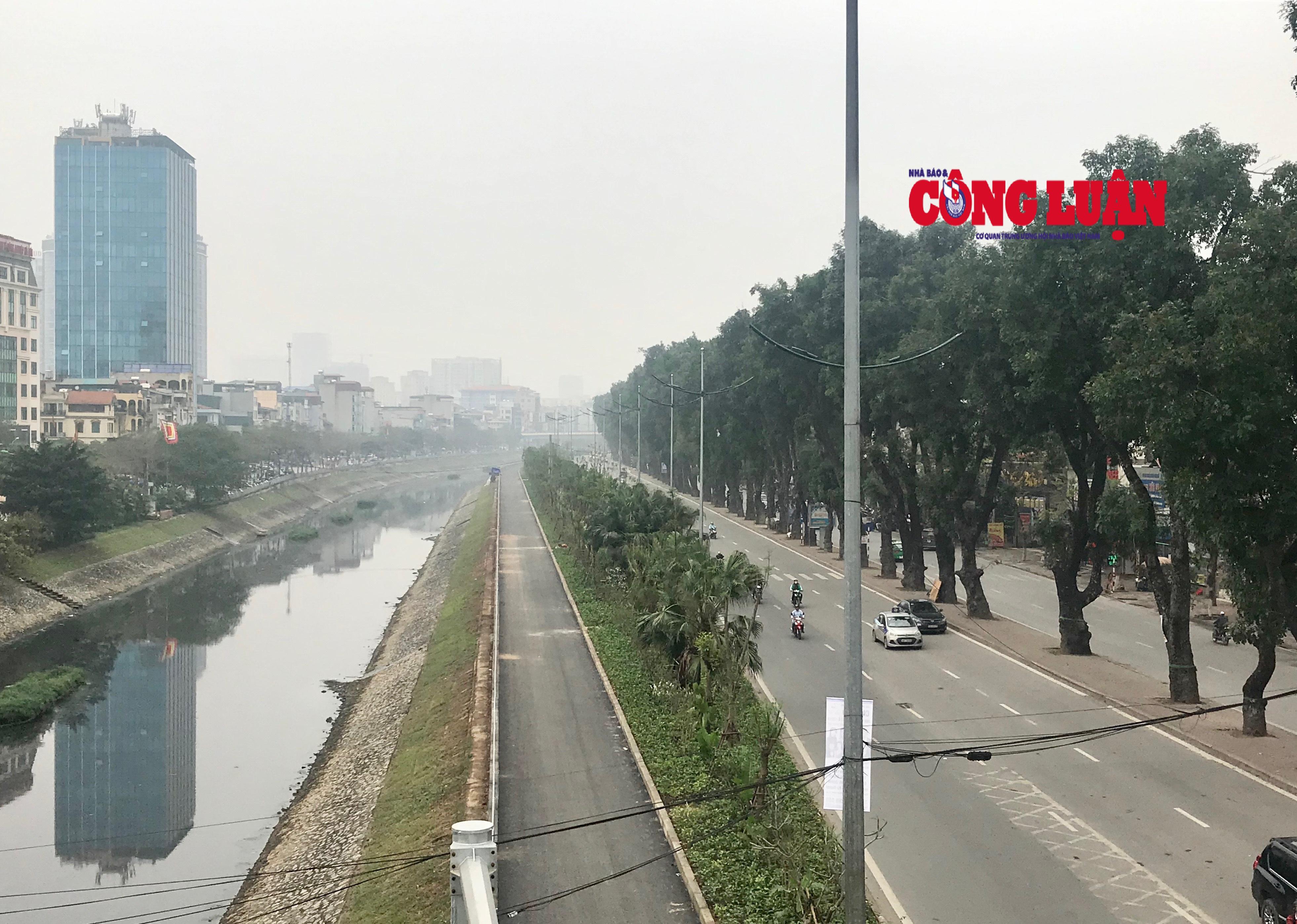 Tiếp tục xén dải phân cách, mở rộng nhiều tuyến đường tại Hà Nội