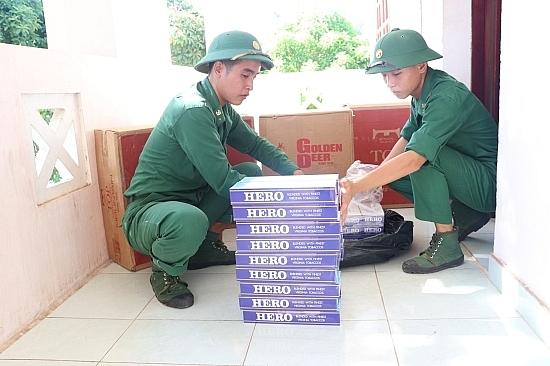 Bắt vụ vận chuyển 2.500 gói thuốc lá ngoại nhập lậu