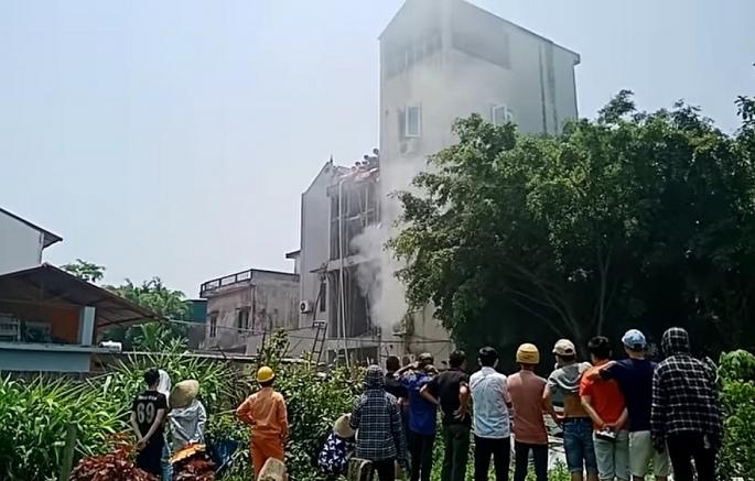 Cháy quán cà phê 5 tầng ở Hà Nội, 2 người tử vong