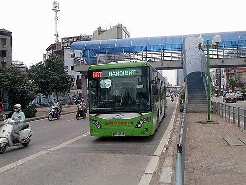 Hà Nội tăng tần suất xe buýt nhanh BRT trong giờ cao điểm