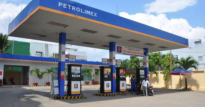 Người tiêu dùng sẽ được lựa chọn mua xăng dầu với mức giá phù hợp