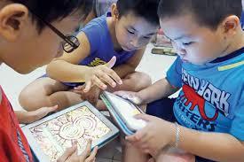 Kiểm soát trẻ sử dụng smartphone trong dịp nghỉ hè