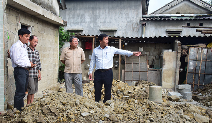 Xây dựng và khởi công hơn 1.600 nhà chống chịu bão, lũ tại miền Trung - Ảnh 1
