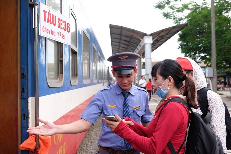 Giảm giá cho hành khách mua vé tàu khứ hồi