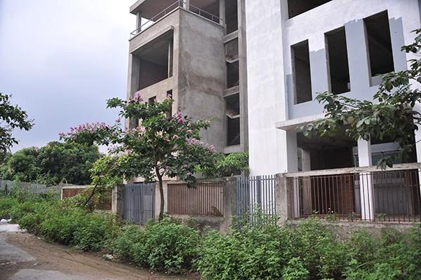 Hàng chục căn biệt thự hoang phế ngay trong lòng Thủ đô
