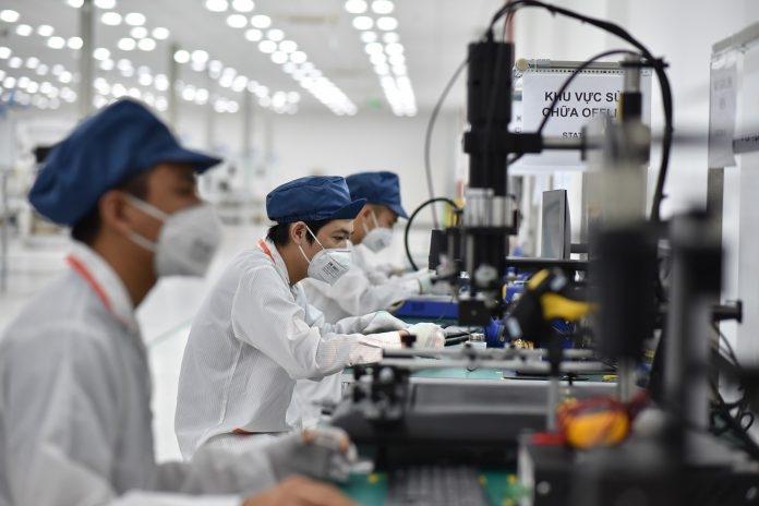 Điện thoại VSmart sẽ được sản xuất tại khu công nghệ cao Hòa Lạc