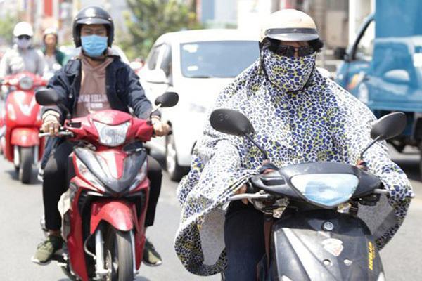 Hà Nội: Cảnh báo nắng nóng đỉnh điểm, tia tử ngoại ở ngưỡng nguy hiểm