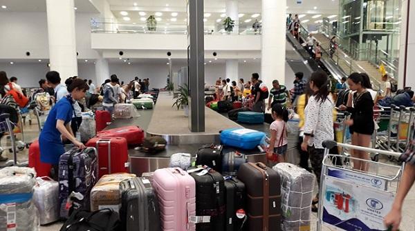 Người già, trẻ nhỏ được ưu tiên khi làm thủ tục hàng không tại tất cả các sân bay trong nước