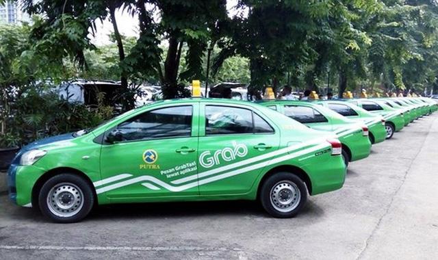 Bộ GTVT báo cáo Chính phủ về quy định gắn hộp đèn cho Taxi công nghệ