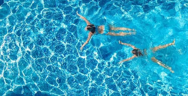 Trẻ dễ bị ngộ độc clo khi bể bơi không đạt chuẩn