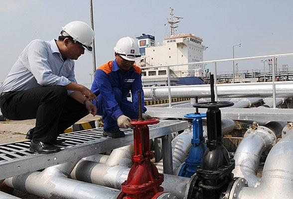 Nhập khẩu xăng dầu trong 5 tháng giảm cả về lượng lẫn kim ngạch