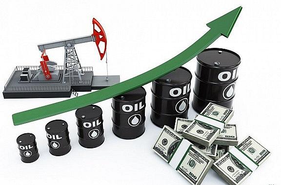 Giá dầu thô bật tăng mạnh trở lại phiên đầu tuần