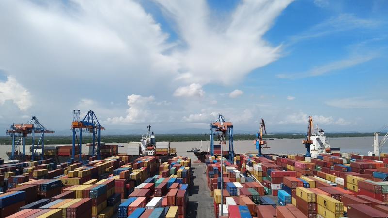 Hàng hóa qua cảng biển tăng 13%